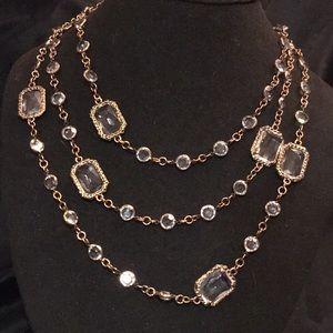 V CN necklace